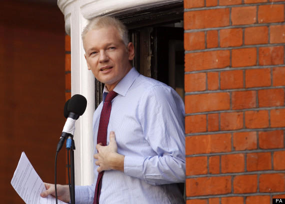 julian assange cambridge