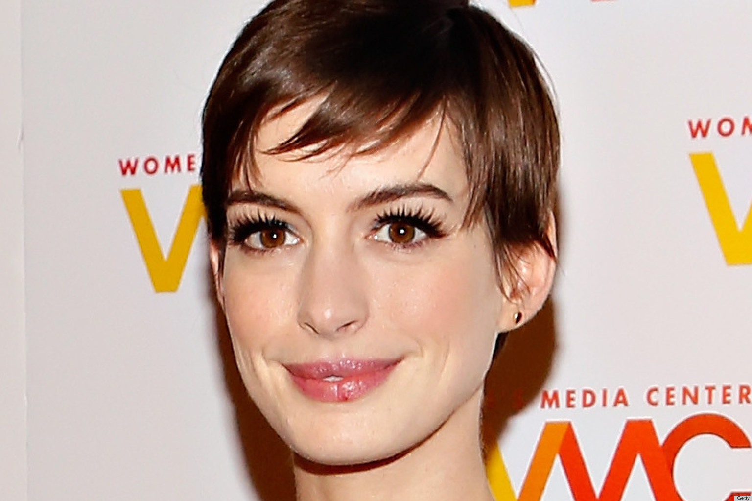 Anne Hathaway I Looked Like My Gay Brother With My Short Haircut