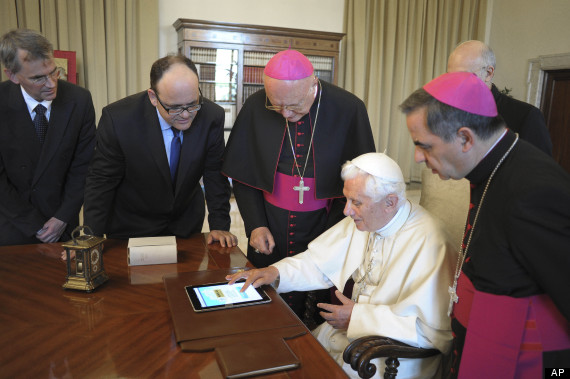 vatican pope tweets