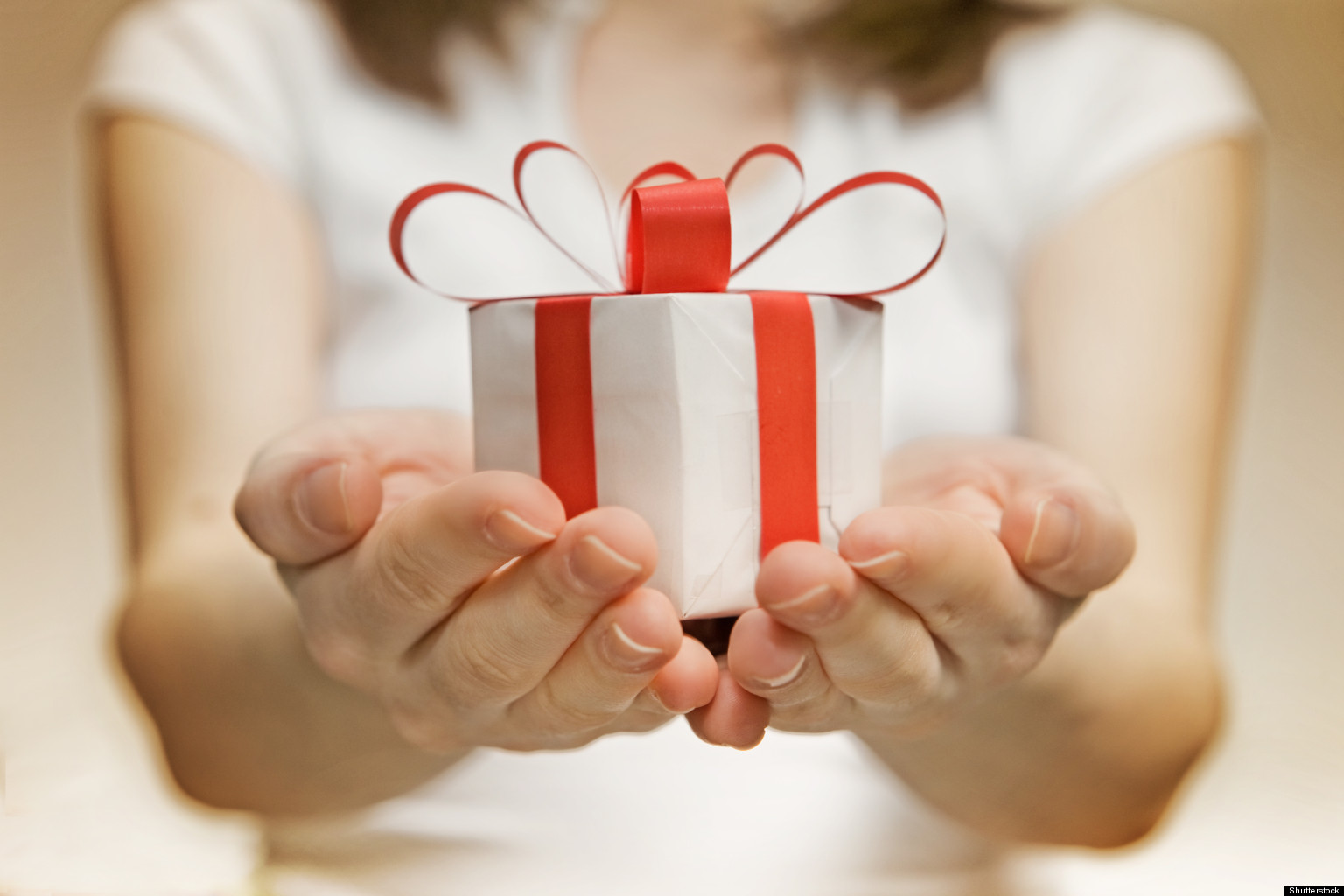 Как подарить подареный подарок