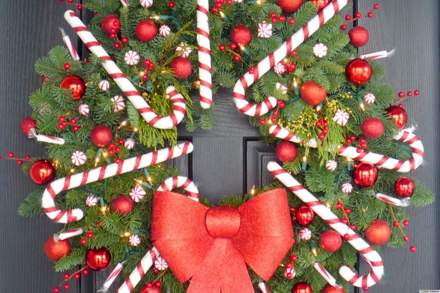 Great Christmas Craft Ideas Part - 36: Christmas Craft Idea: A Candy Cane Wreath Thatu0027ll Make Your Door Dazzle  (PHOTO) | HuffPost