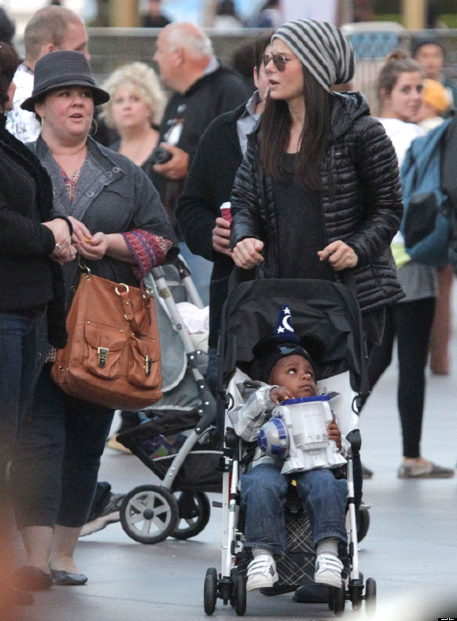 Sandra Bullock, Melissa McCarthy Go To Disneyland With Louis (PHOTO