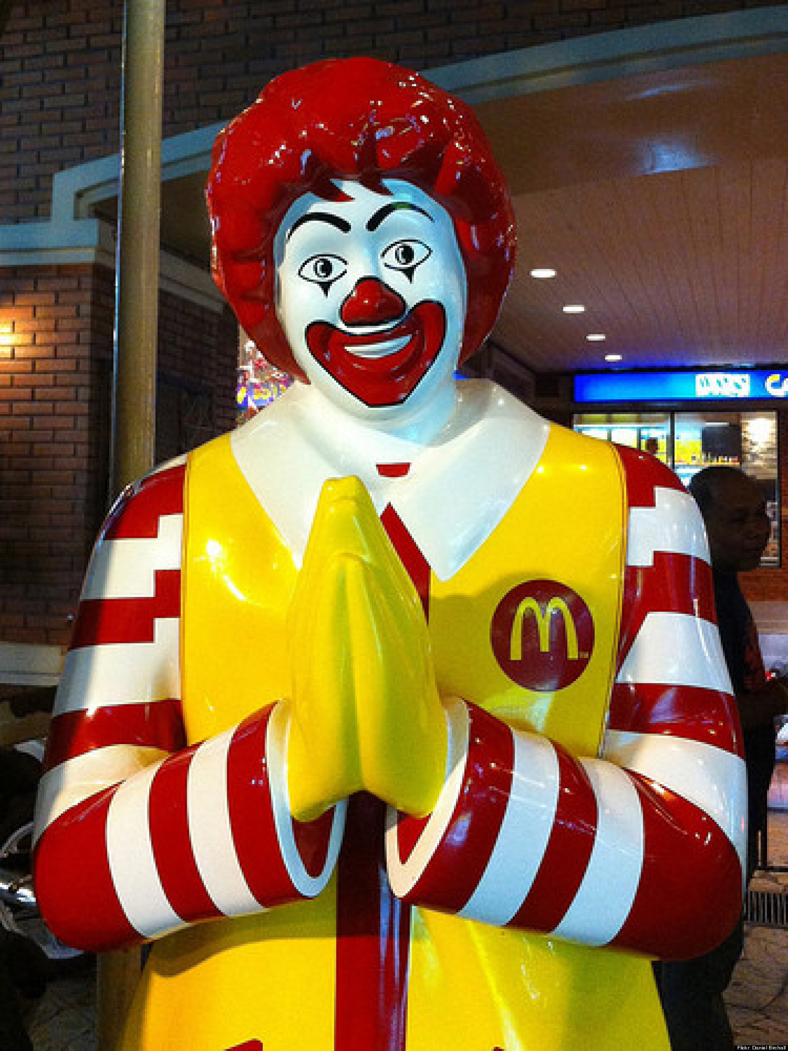 McDonald's Pushes Stores To Stay Open On Christmas | HuffPost