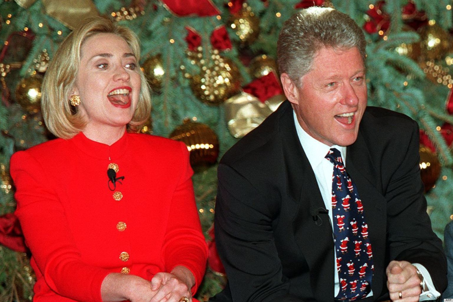 Clintons' Christmas In The '90s: How Bill, Hillary & Chelsea ...