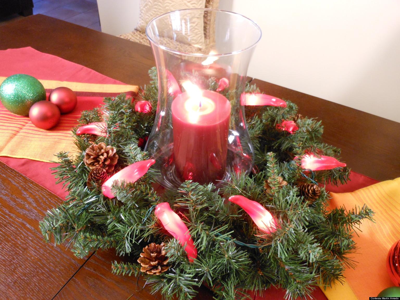 Ideas para crear un centro de mesa con una corona navide a for Centros navidenos