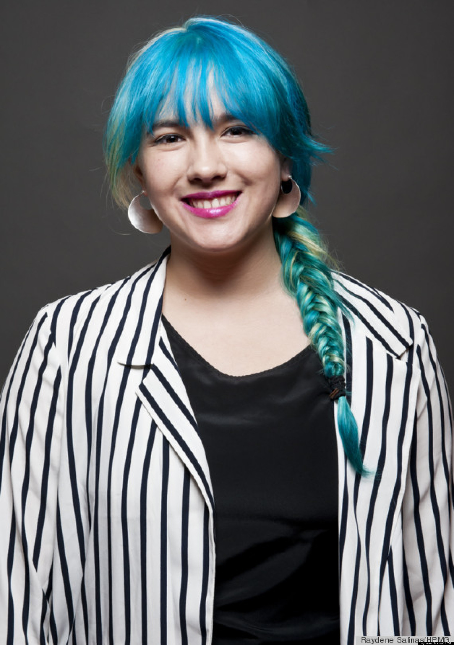 I dyed my hair blue and you can too diy bleach color huffpost solutioingenieria