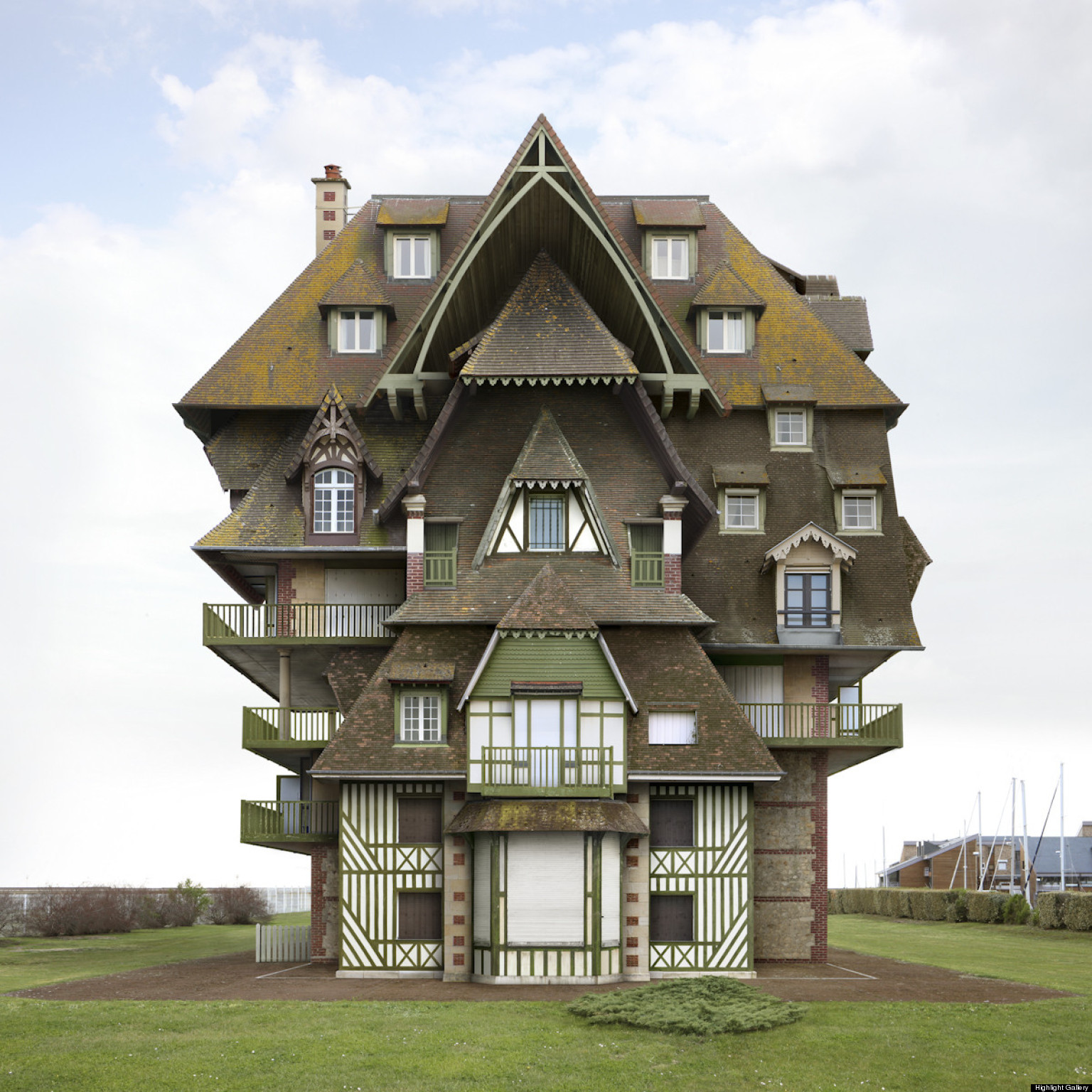 Filip dujardin 39 s 39 dis location 39 exhibit showcases bizarre for Dujardin facebook