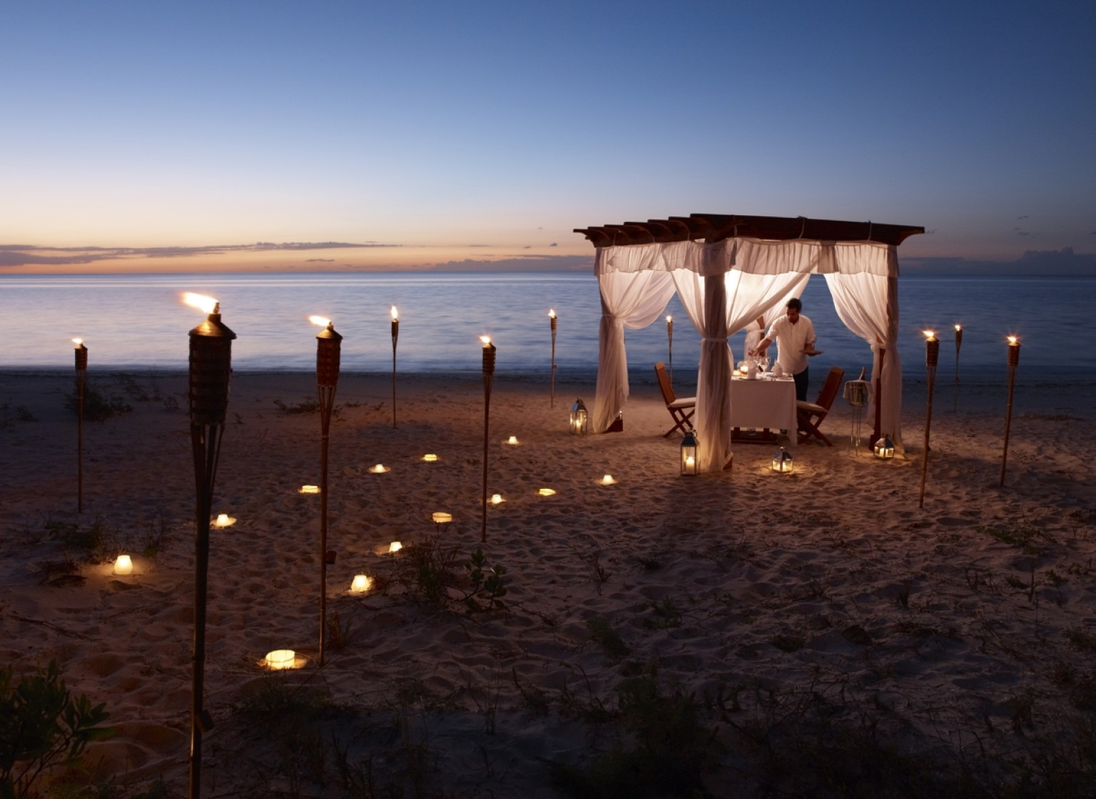valentines day travel the most over the top hotel packages photos huffpost - Places To Go On Valentines Day