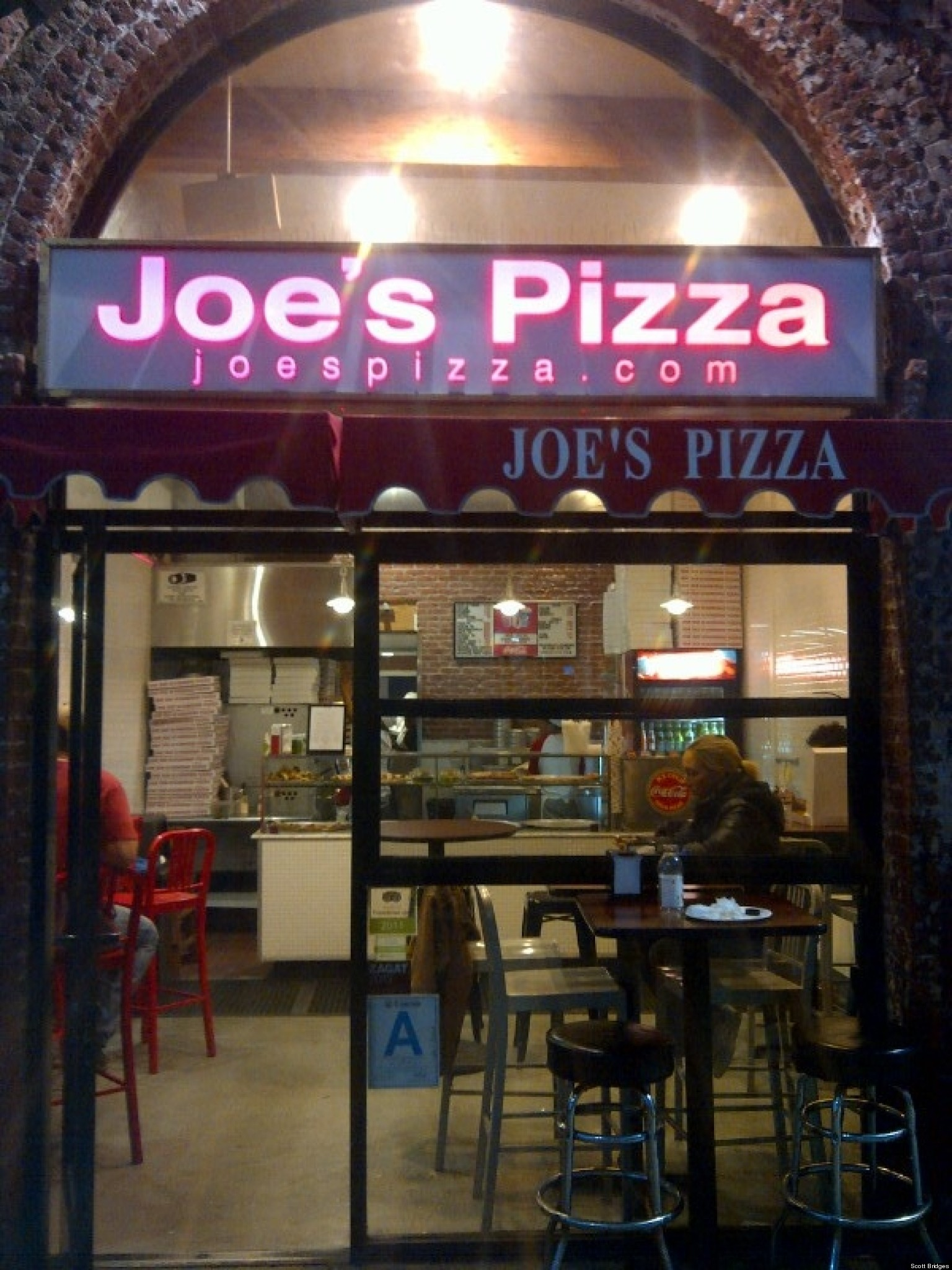 joe 39 s pizza the real new yorker huffpost. Black Bedroom Furniture Sets. Home Design Ideas