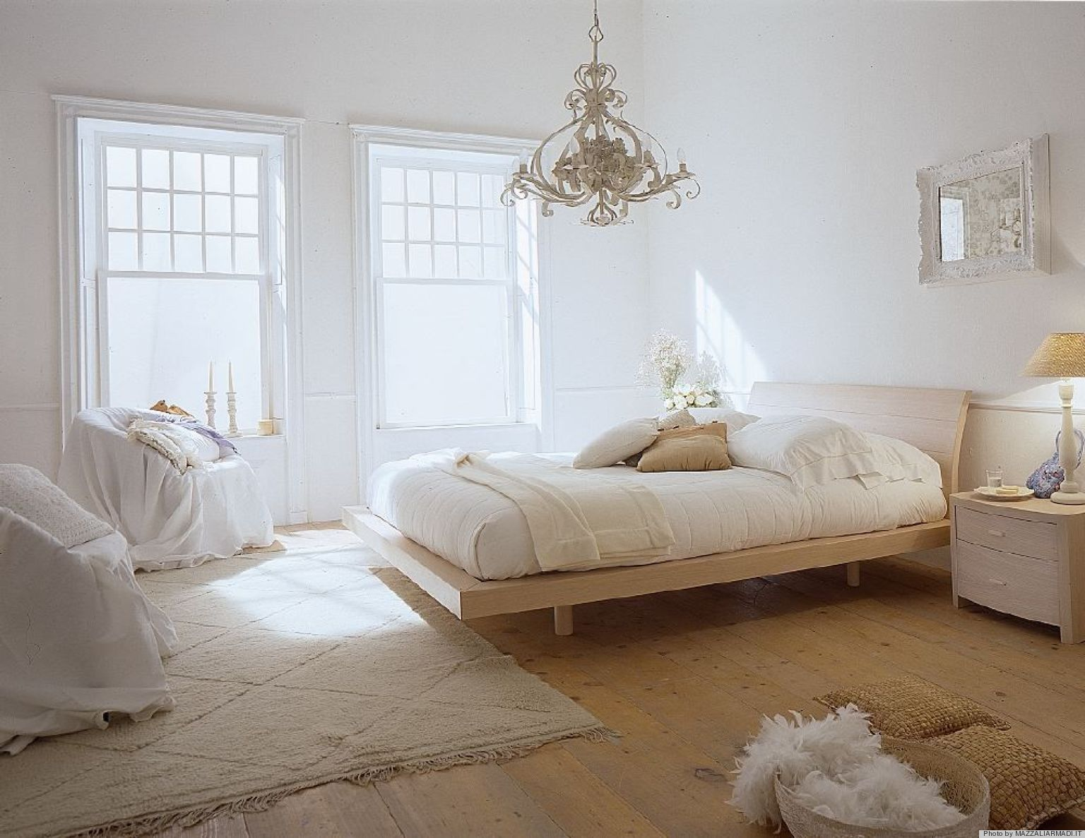 Ways To Turn Your Bedroom Into A Boudoir HuffPost - Six tips for a sexy bedroom