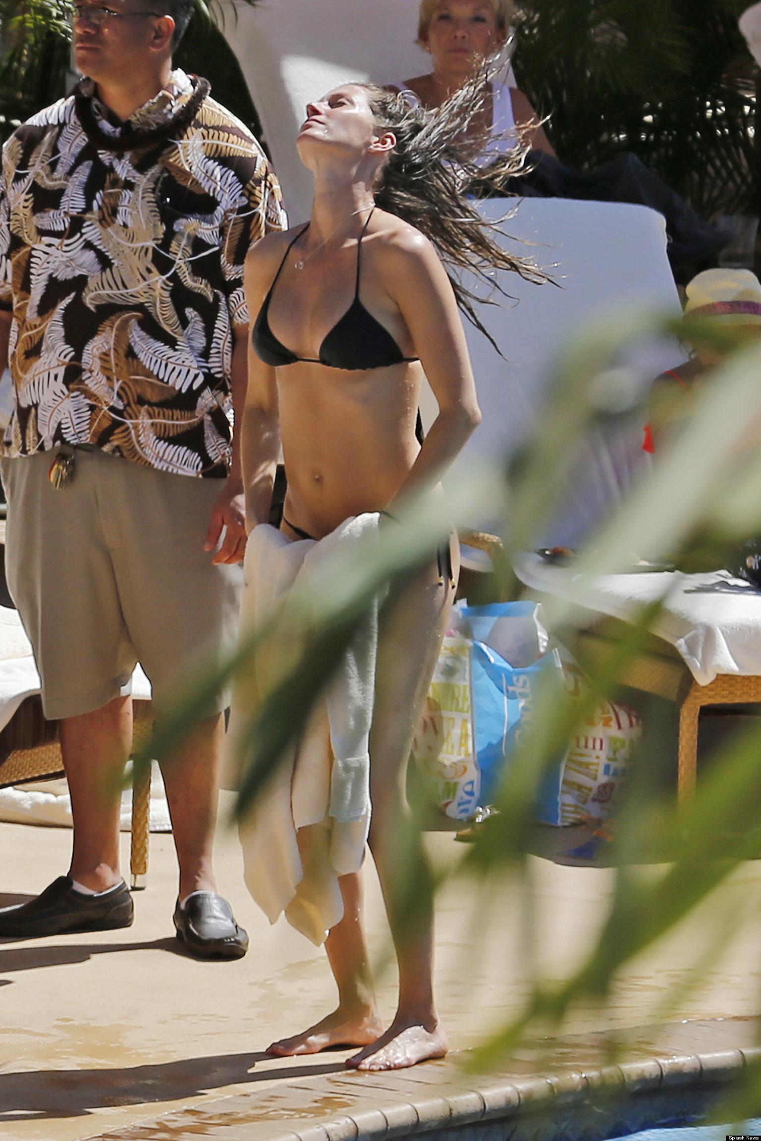 Gisele Bundchen Shows Off Her Amazing Bikini Body Just Two -4192