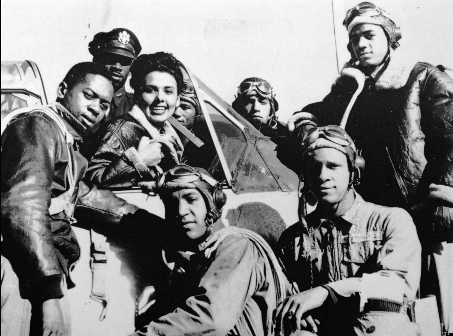 an introduction to the history of tuskegee airman Facts & information about the tuskegee airmen, a group of african-american pilots in wwii in black history tuskegee airmen facts years of service 1940–1952 branch united states army air corps united states army air forces united states air force fighting groups 332nd fighter group 100th pursuit squadron 301st pursuit squadron.