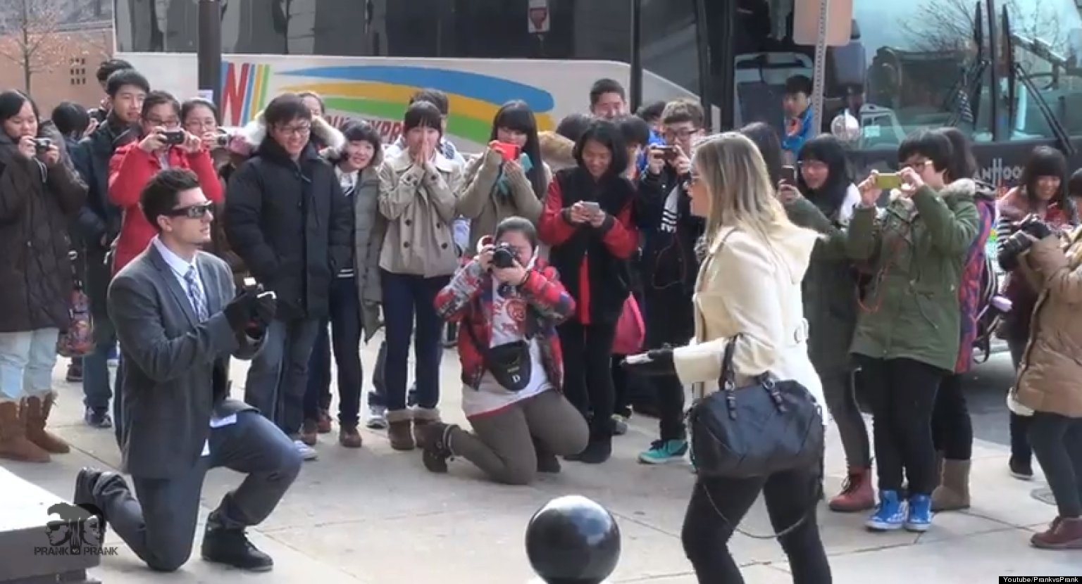 Valentineu0027s Day Proposal Prank: Couple Makes Things Very Awkward During  Rejection Gag (VIDEO) | HuffPost
